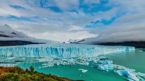 Ghiacciaio Perito Moreno nel parco Los Glaciares Autunno nella Patagonia, il lato dell'Argentina archivi video