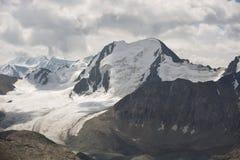 Ghiacciaio piacevole in montagne Fotografia Stock Libera da Diritti