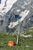 Ghiaccio-ascia e casco. Fotografie Stock