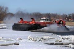 Ghiaccio canadese della guardia costiera che tagliato hovercraft Fotografia Stock