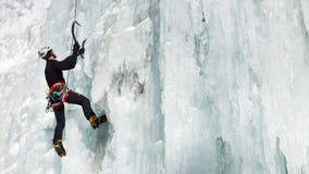 Ghiaccio che scala nel Tirolo del sud, Italia Immagine Stock