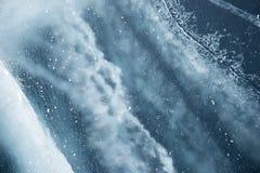 Ghiaccio del Baikal Crepe nel ghiaccio di Baikal fotografia stock