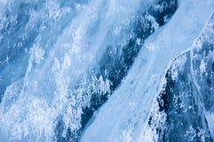 Ghiaccio del Baikal Crepe nel ghiaccio di Baikal Crepe di Baikal Crepe del ghiaccio Natura di Baikal fotografie stock