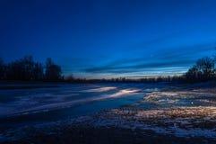 Ghiaccio del fiume del paesaggio di notte Immagini Stock Libere da Diritti