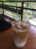 Ghiaccio di Milkcoffee fotografia stock libera da diritti
