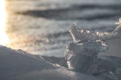 Ghiaccio di Sylvan Lake Sunset Over The immagine stock libera da diritti