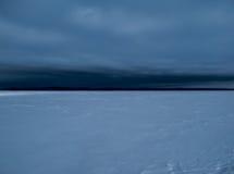Ghiaccio e lago innevato Fotografia Stock Libera da Diritti