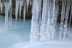 Ghiaccio ed acqua in sorgente in anticipo Fotografie Stock