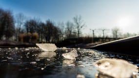 Ghiaccio su ghiaccio Fotografie Stock Libere da Diritti