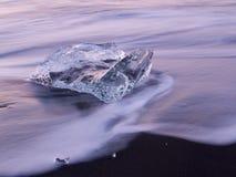 Ghiaccio sulla spiaggia Fotografie Stock