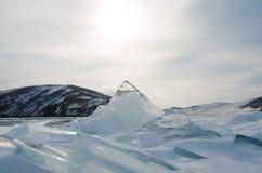 Ghiaccio trasparente liscio del lago Baikal fotografia stock libera da diritti