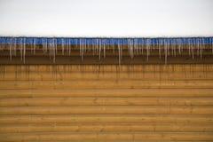 Ghiaccioli del tetto Fotografie Stock