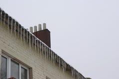 Ghiaccioli sul tetto Immagine Stock Libera da Diritti