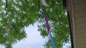 Ghirlanda multicolore delle bandiere stock footage