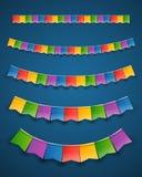 Ghirlande di carta delle bandiere di colore su fondo scuro illustrazione di stock
