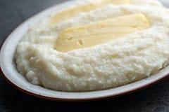 Ghomi di mamalica del cereale di Mengrelian con formaggio Alimento georgiano fotografie stock libere da diritti
