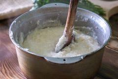 Ghomi, popularny naczynie od Samegrelo regionu robić biały prostacki c zdjęcia royalty free