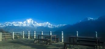 Ghorepani regardant la chaîne de montagne d'Annapurna Photos libres de droits