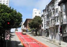 Giù la via di Powell, San Francisco immagini stock