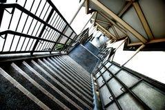 Giù le scale Fotografie Stock