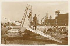 GI américain sur Nazi Plane image stock