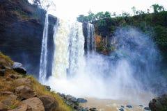 Gia Lai, Vietnam - 24 novembre 2018 : Cascade de Phu Cuong au Vietnam images stock