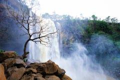 Gia Lai, Vietnam - 24 novembre 2018 : Cascade de Phu Cuong au Vietnam image stock