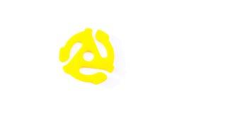 Giallo, adattatore del fuso dell'annotazione di 45 giri/min. Annata, adattatore antiquato e di plastica del fuso a partire dal pa Fotografia Stock Libera da Diritti