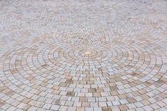 Giallo bitonale e Gray Brick Stone sulla terra per la via Roa Immagini Stock Libere da Diritti