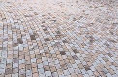 Giallo bitonale e Gray Brick Stone sulla terra per la via Roa Immagini Stock