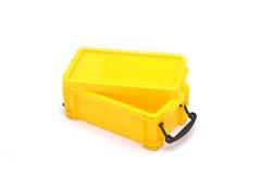 Giallo della scatola della refezione isolato su fondo bianco Fotografie Stock