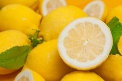 Giallo di Limoni e Fotografia Stock Libera da Diritti