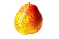 Giallo Freckled - pera rossa isolata su fondo bianco Immagini Stock