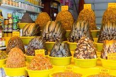 An Giang,越南- 2014年11月29日:与盐和香料的干鱼增加了,乡下人的普遍的食物湄公河三角洲的,南o 库存图片