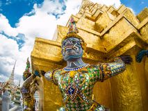 Gians i Wat phrakeaw royaltyfri bild