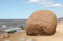 Giant boulder Royalty Free Stock Photos
