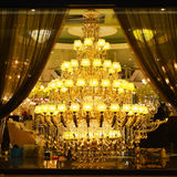 Giant luxury  crystal  lighting Royalty Free Stock Photos