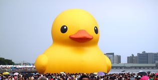 Giant Rubber Duck Visits Taiwan Royalty Free Stock Photography