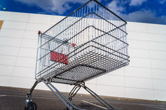 Giant shopping cart Royalty Free Stock Images