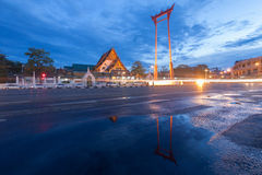 The Giant Swing and Suthat Temple at Twilight Time, in Bangkok T Stock Images