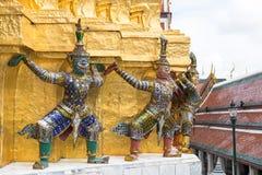 Giants Bouddha dans le palais grand, Thaïlande Image libre de droits