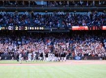 Giants célèbrent une victoire avec leurs ventilateurs Photographie stock libre de droits