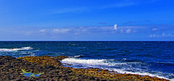 Giants Causeway Bay Whitecaps Royalty Free Stock Photo