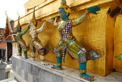 Giants dans Wat Phra Kaeo, Bangkok images libres de droits