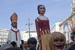 Giants e cabeças grandes em Plaza del Solenoide, Madri fotografia de stock