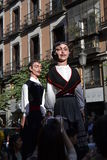 Giants e grandi teste in sindaco del calle, Madrid Immagine Stock