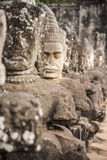 Giants en la puerta delantera Angkor Thom Fotos de archivo libres de regalías