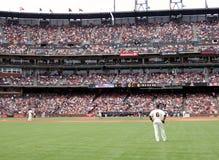 Giants stehen herum während des homerun Trab Stockfotografie