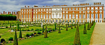 Giardini del palazzo del Hampton Court Fotografia Stock Libera da Diritti