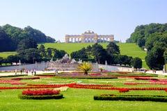 Giardini del palazzo di Schonbrunn immagini stock libere da diritti